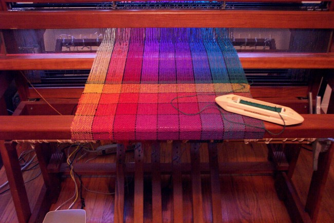 Hand weaving © Ruth Temple, Flickr