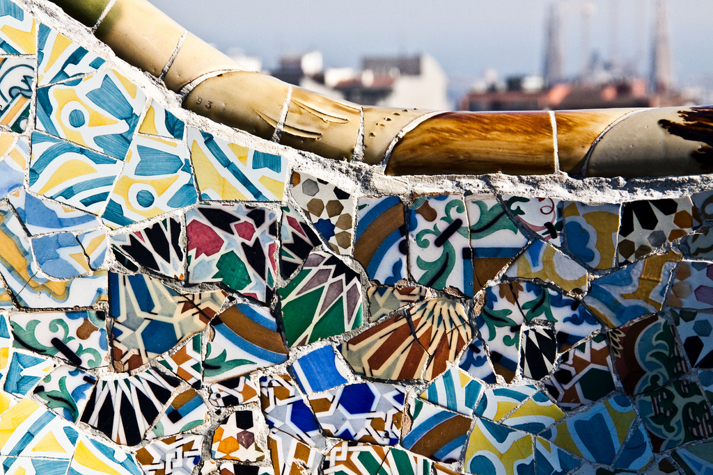 Detail of the Park Güell benches © Jake Bellucci