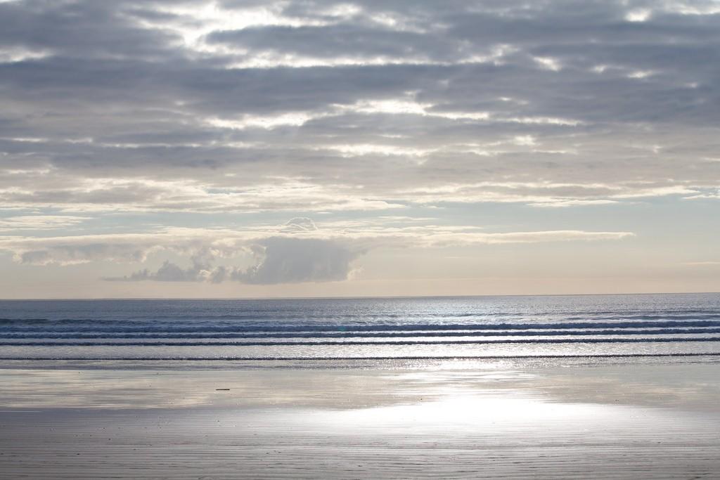Morning walk on Orewa Beach   © Kristina D.C. Hoeppner/Flickr