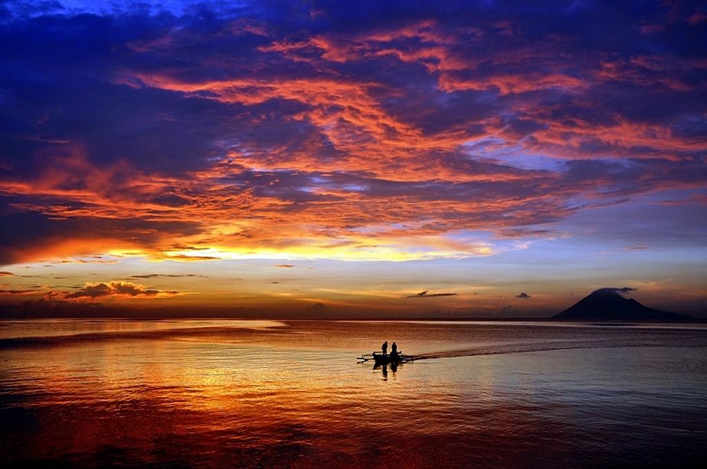 The Coast of Manado | © Stenly Lam / Flickr