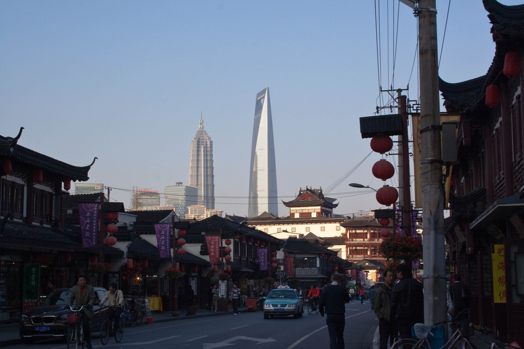 The Intersection of Old and New in Shanghai | ©Pablo BM/Flickr