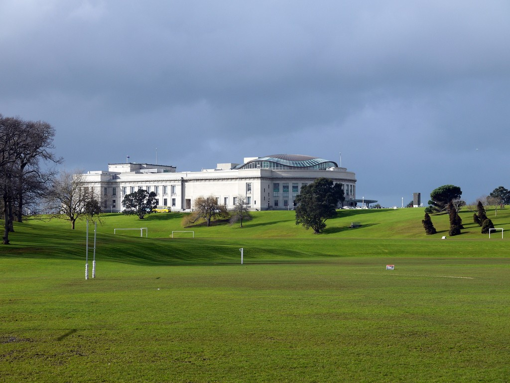 Auckland Mueseum from the Domain   © Yortw/Flickr