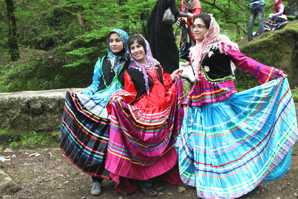 An Introduction To Iran S Traditional Dress