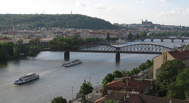 Railway Bridge   ©Enfo / Wikimedia Commons