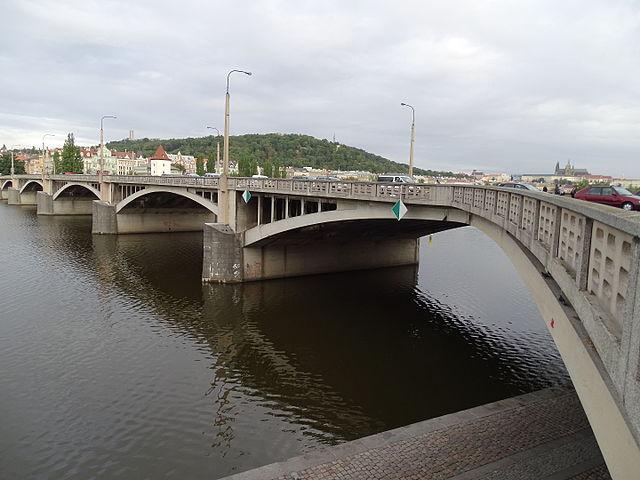 Jirásek Bridge in New Town   ©ŠJů / Wikimedia Commons