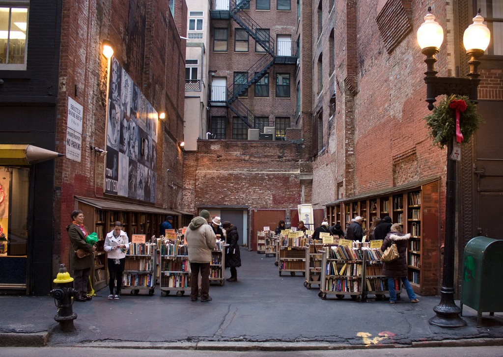 Brattle Book Shop   © Bill / Flickr