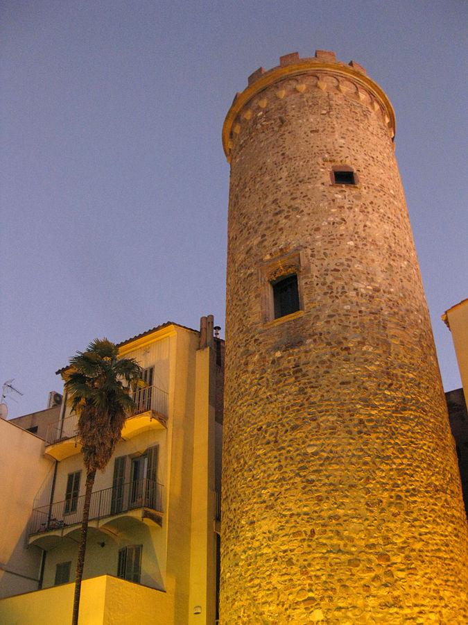 Casa Badia i Torre del Palau   © Enfo/WikiCommons