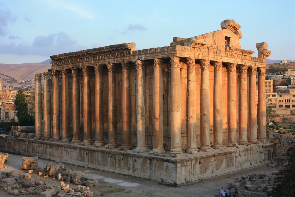 Baalbek, Temple of Bacchus | © Arian Zwegers / Flickr