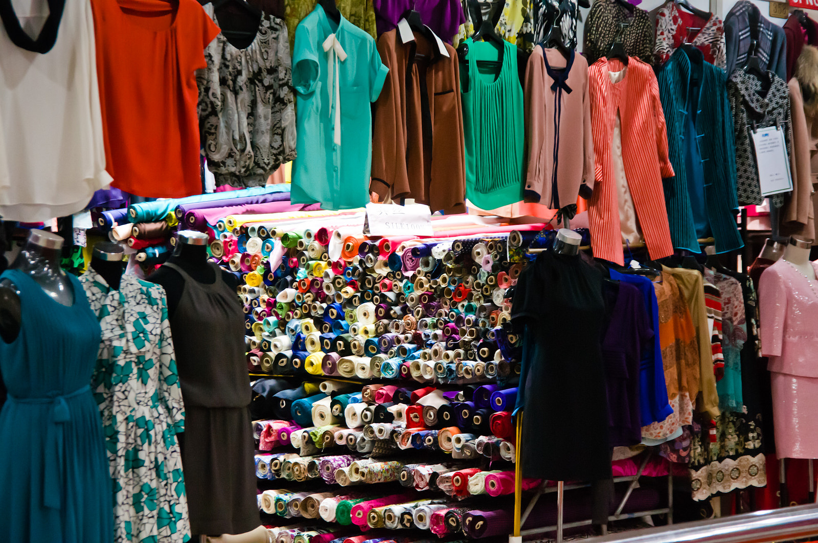 South Bund Fabric Market | ©Mitch Altman/Flickr