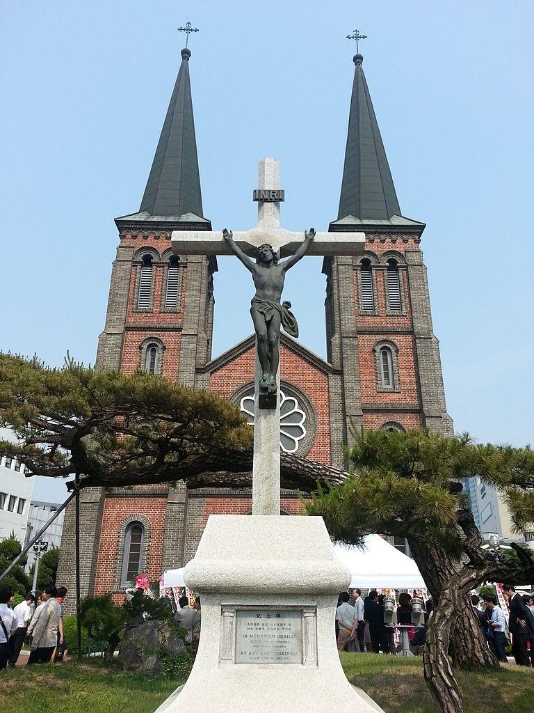 Gyesan Catholic Church in Daegu | © Himuka Tachibana