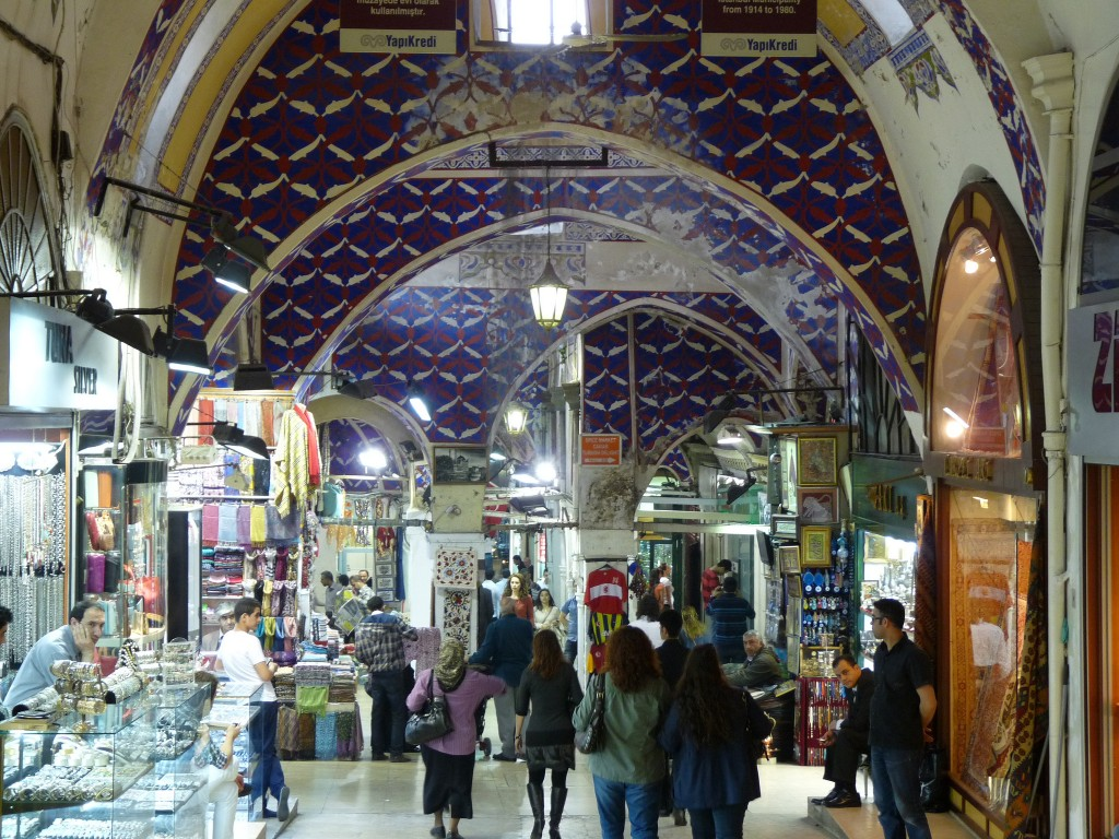 The maze-like Grand Bazaar   © michael clarke stuff/Flickr