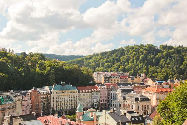 Overlooking Karlovy Vary / ©Eliza Antoniszyna / Flickr