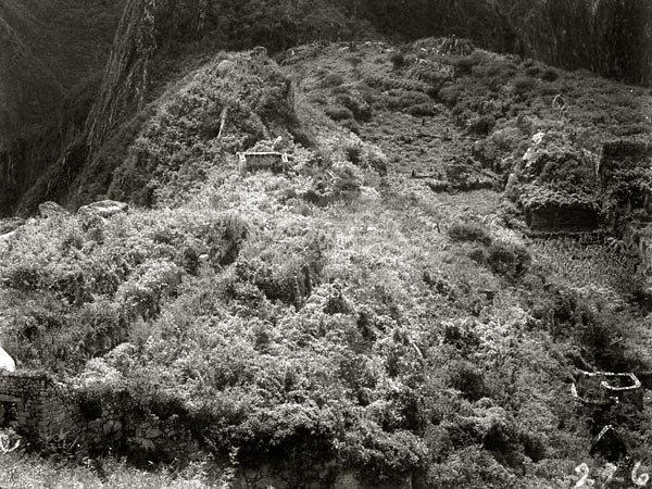 Machu Picchu in 1911, taken during Hiram Bingham's first trip to the site.  © Recuerdos de Pandora/Flickr