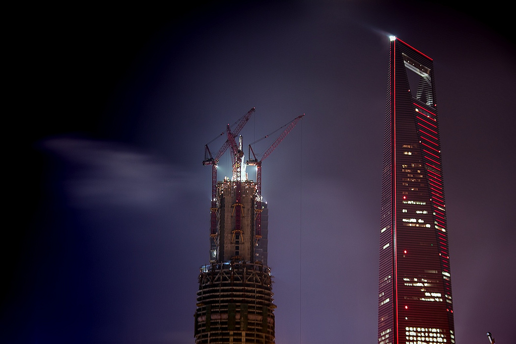 Construction of Shanghai Tower | ©jo.sau/Flickr