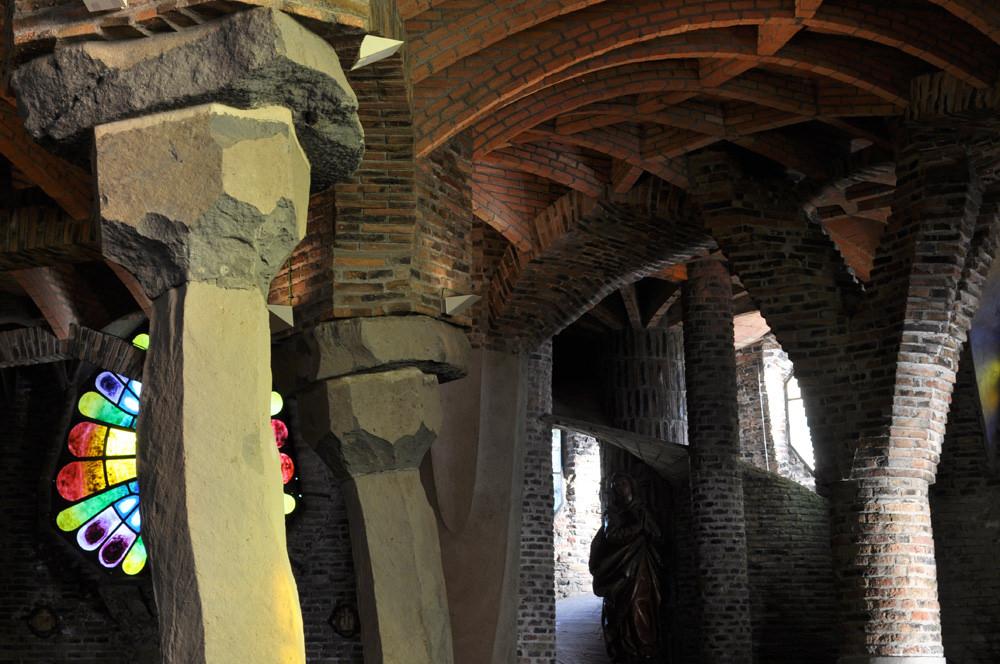 Inside the crypt © Pleuntje