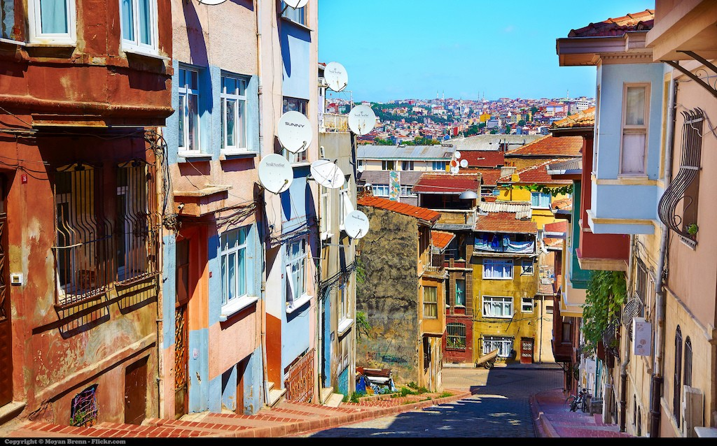Beautiful, old Greek Orthodox houses line the streets of Balat | © Moyan Brenn/Flickr