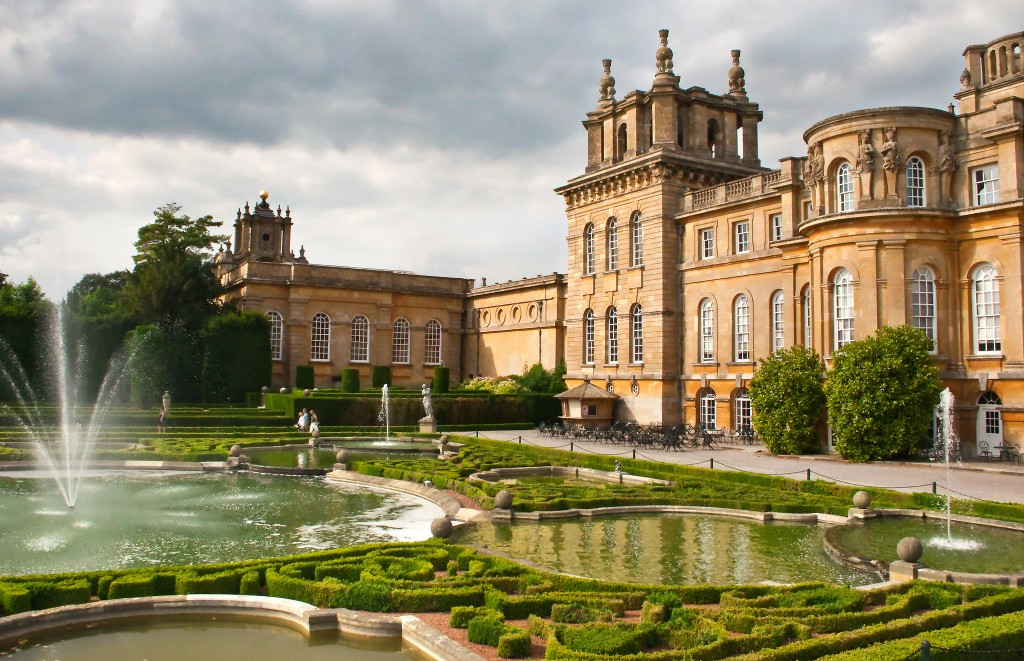 Blenheim Palace and Formal Gardens | © Sheila Sund / flickr