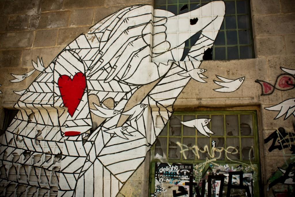 Street art along the canal | © Lisa Leonardelli / flickr