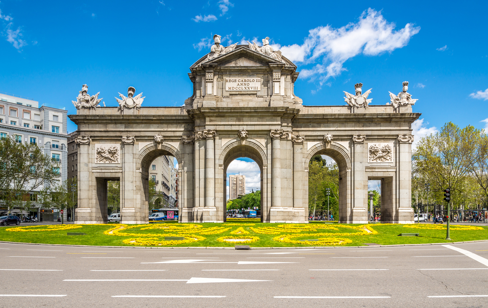 These 25 pictures will make you want to book a trip to - Bar la puerta de alcala guadalajara ...