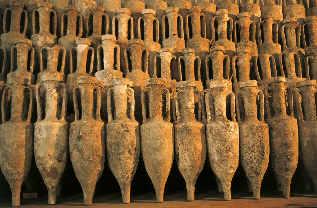 Ancient Roman amphoras | © pixabay https://pixabay.com/it/anfora-170621/