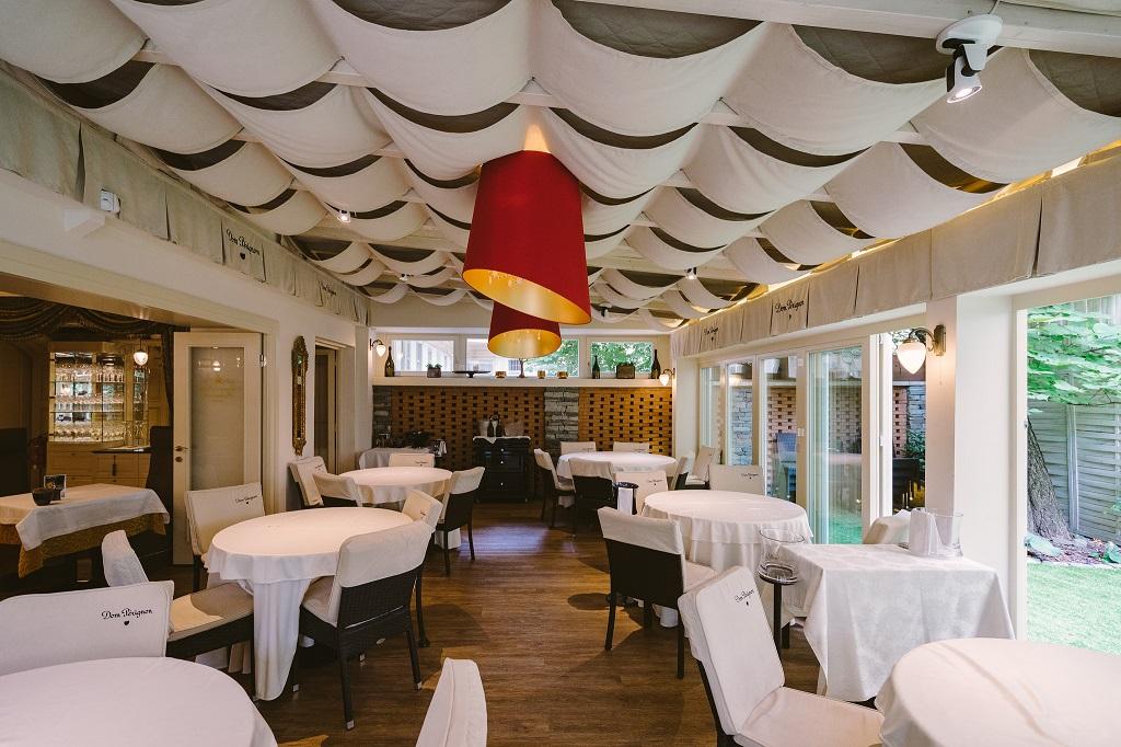 Arany Kaviar restaurant interior Budapest