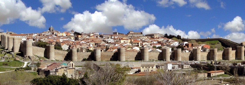 The walled city of Ávila | © santiago lopez-pastor/Flickr