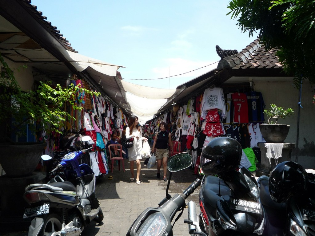 Shopping and asking price in Bali