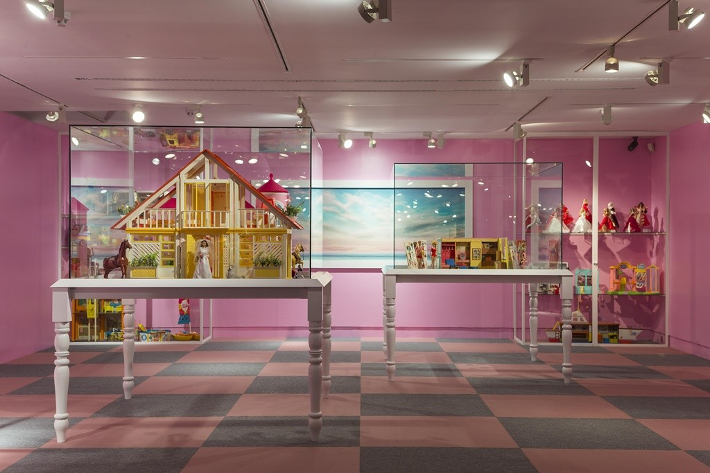 Barbie's Dreamhouse and family | © Fundación Canal