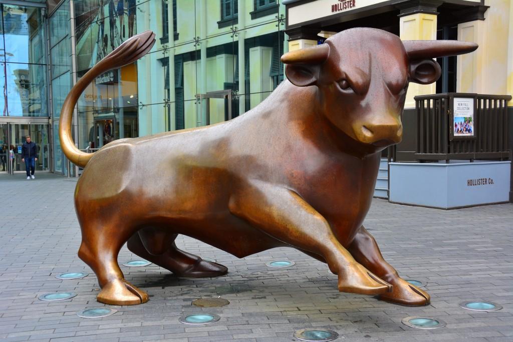 Birmingham Bull / The Guardian statue