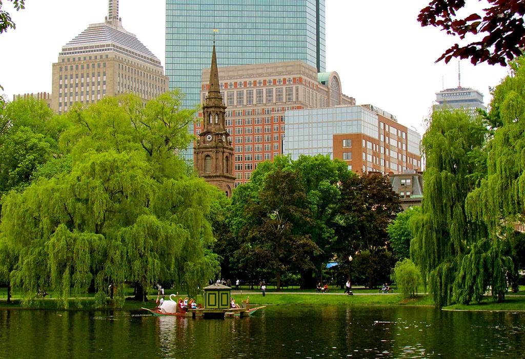 Boston Public Garden | © Jeff Gunn / Flickr