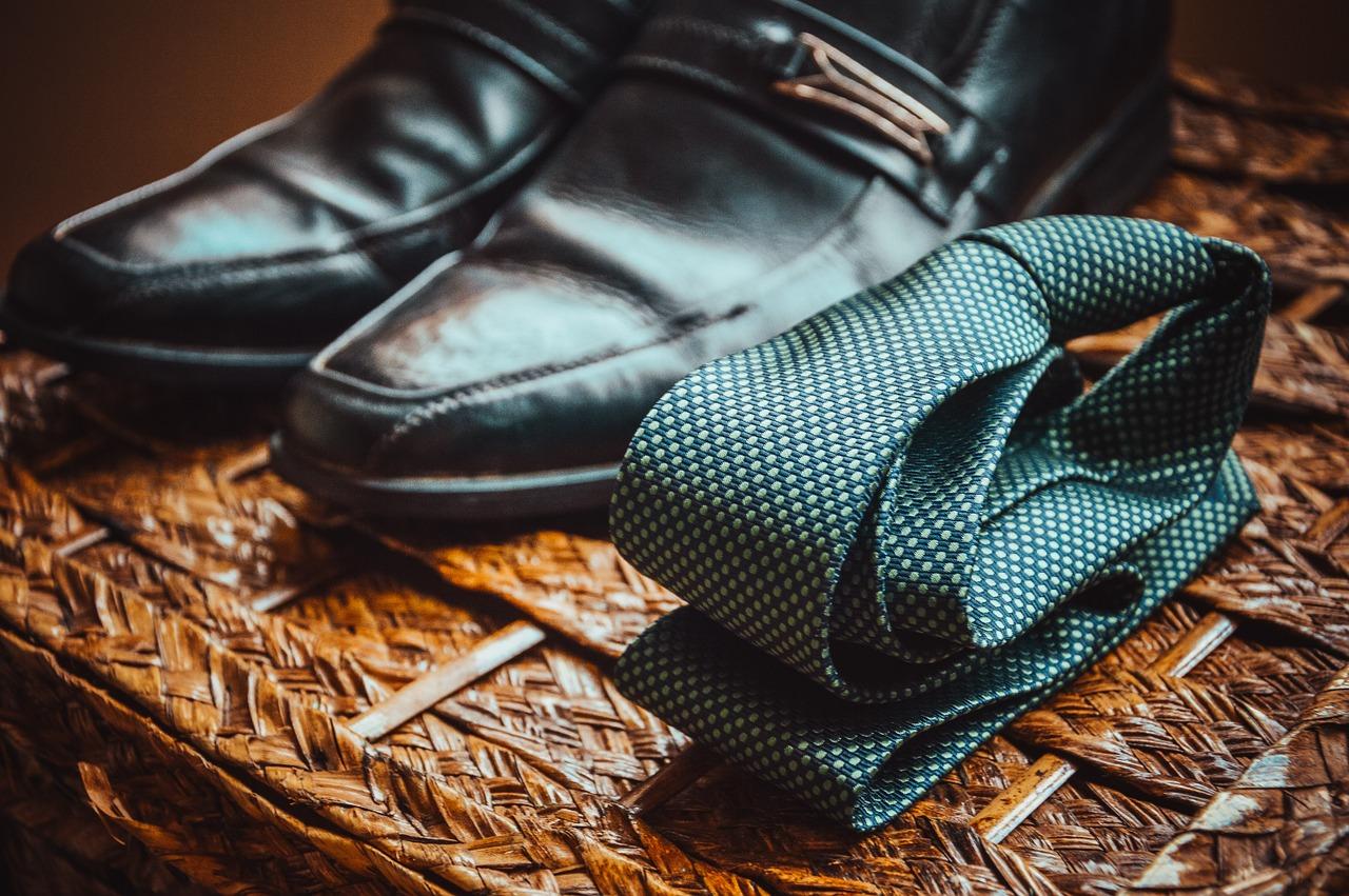 Business attire | Pixabay