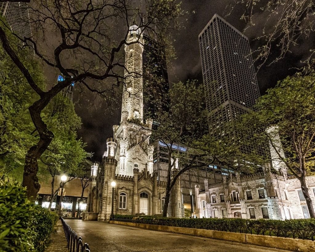 Chicago Water Tower | © Mobilus In Mobili / Flickr
