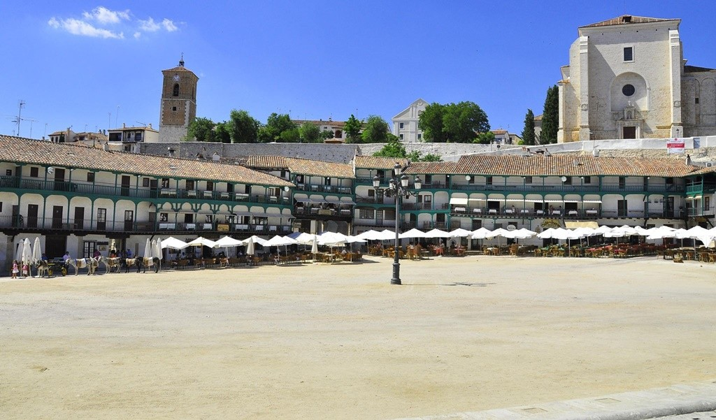 The Plaza Mayor in Chinchón| © pegatina1/Flickr