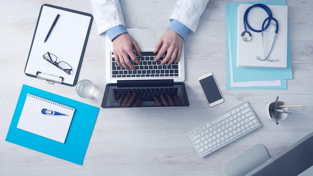 Doctor's desk | © Unsplash/ Pixabay