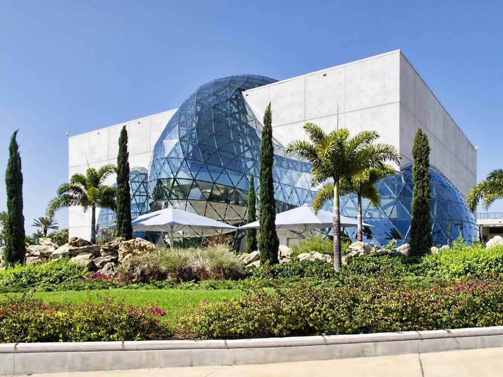 The back of the Salvador Dalí Museum in St. Petersburg, Florida| © Dan Lundberg/Flickr
