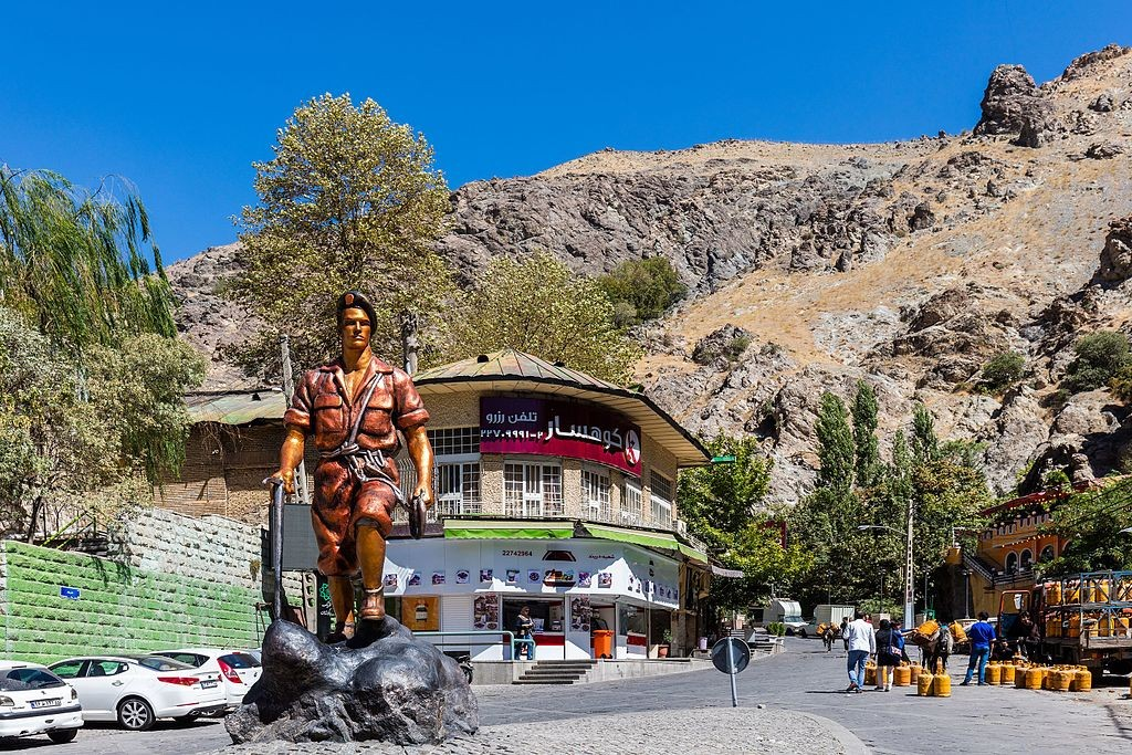 Darband Mountaineer   © Diego Delso, delso.photo, License CC-BY-SA / Wikimedia Commons