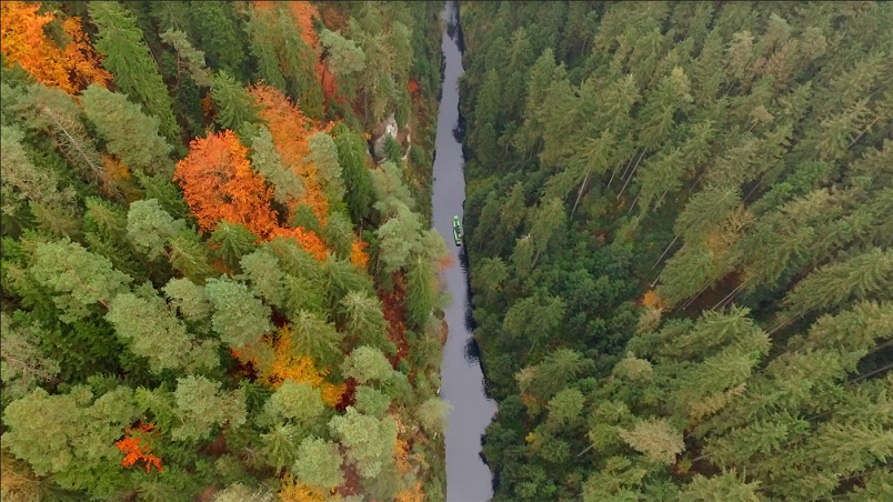 Drone view into the Wild gorge | © Northernhikes.com