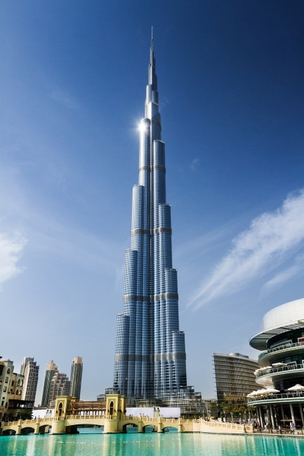 Dubai a poster city for landmarks mega projects for Dubai world famous hotel