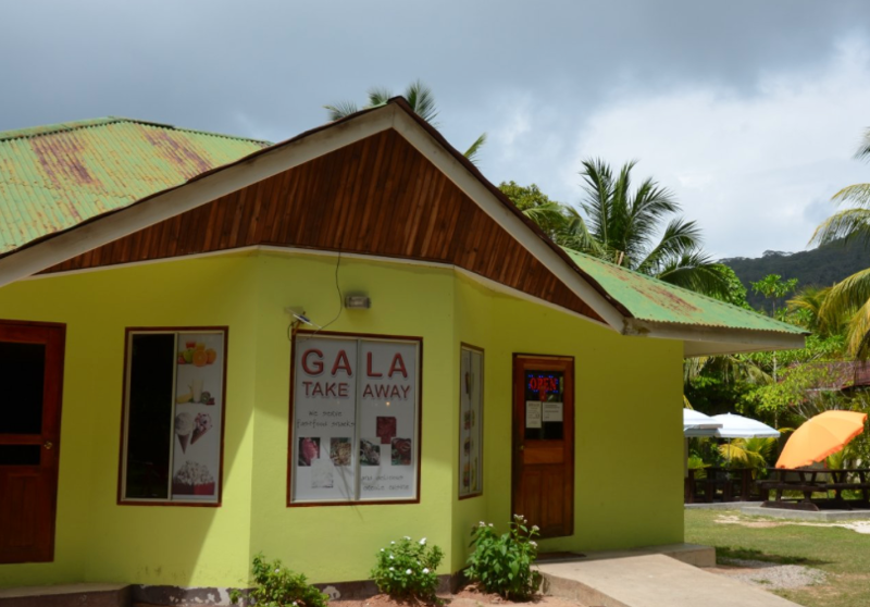 Gala Takeaway on La Digue | ©Maxine Rickard