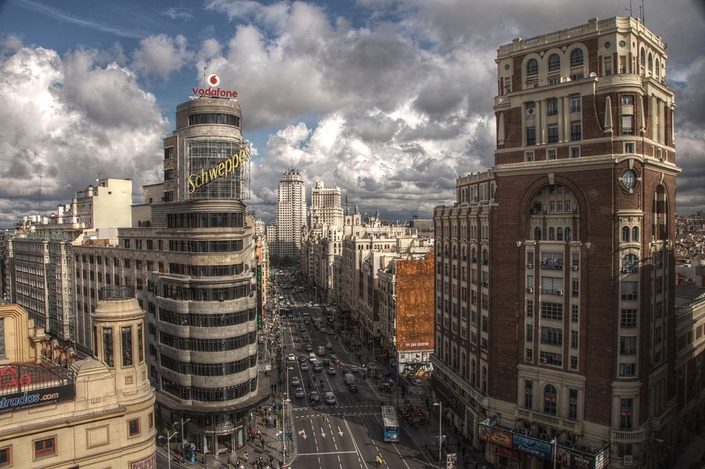 Madrid's magnificent Gran Vía street   © Felipe Gabaldón/Wikipedia