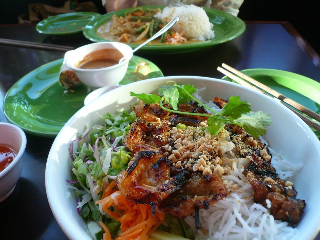 Vietnamese food © Rex Roof / Flickr