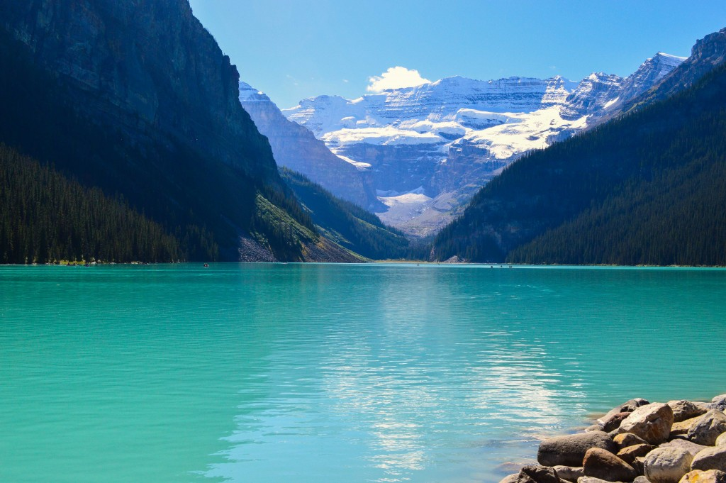Lake Louise in Banff National Park | © Hayley Simpson