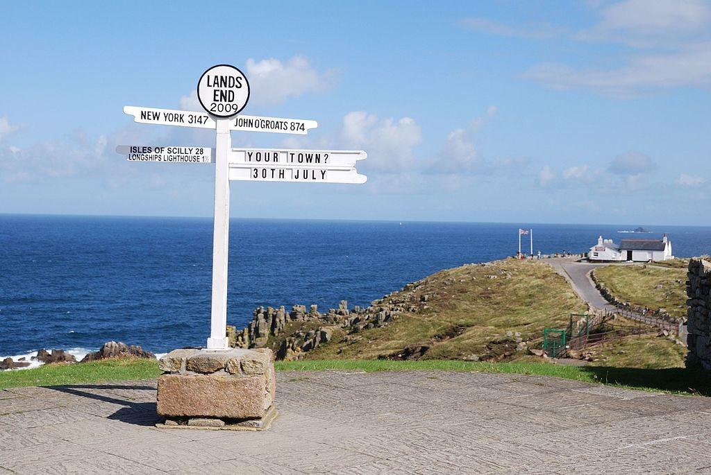 Lands End ©Giomodica / Wikimedia UK