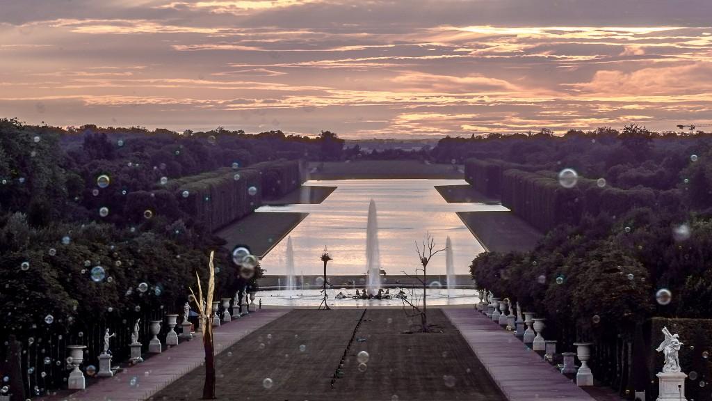 Les Grandes Eaux nocturnes at the Palace of Versailles │© Yann Caradec / Flickr