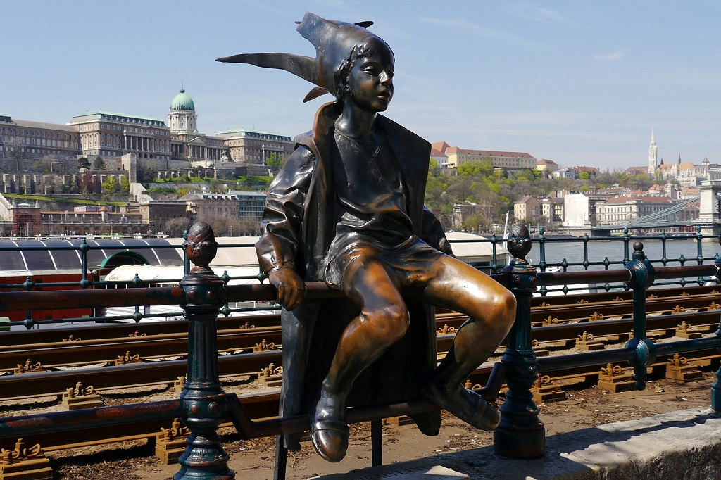 The Little Princess Statue Budapest