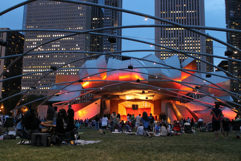 A concert at the Jay Pritzker Pavilion in Millennium Park | © Connie Ma/Flickr