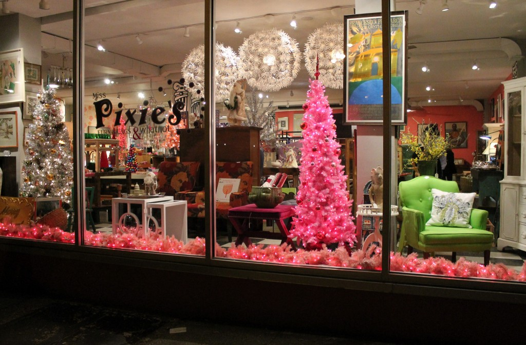 Miss Pixie's Furnishings and Whatnot is a Washington, DC Gem/© Elvert Barnes/Flickr