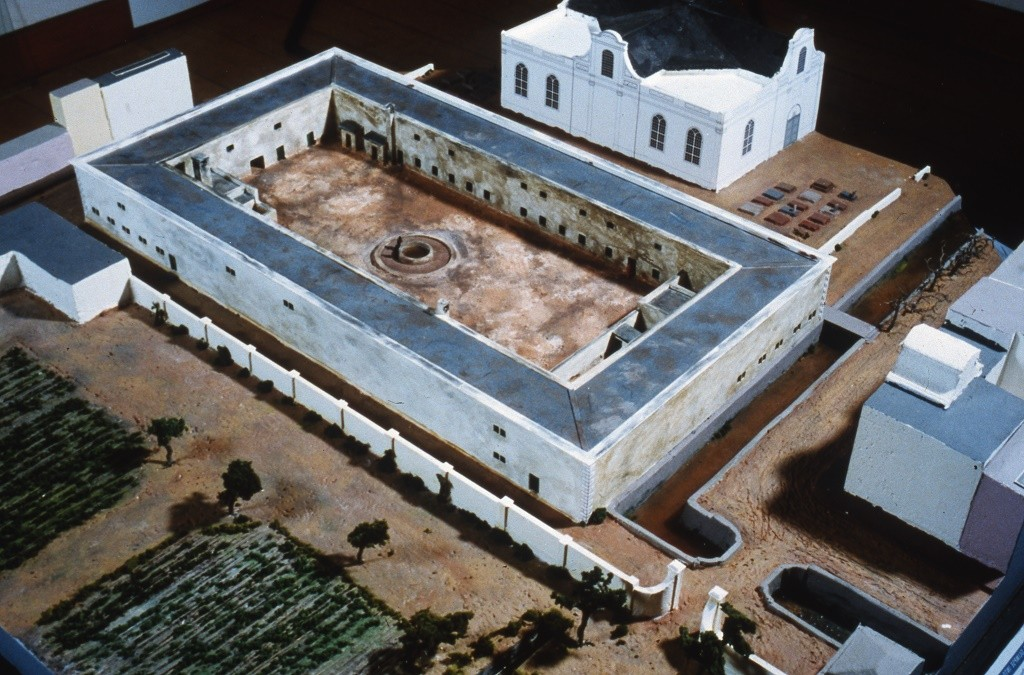 A model of the Slave Lodge at the end of the 18th century by Peter Laponder (1999) © Iziko Museums of South Africa, Social History Collections
