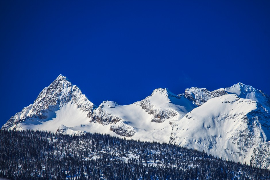 The picturesque Monashee Mountain Range