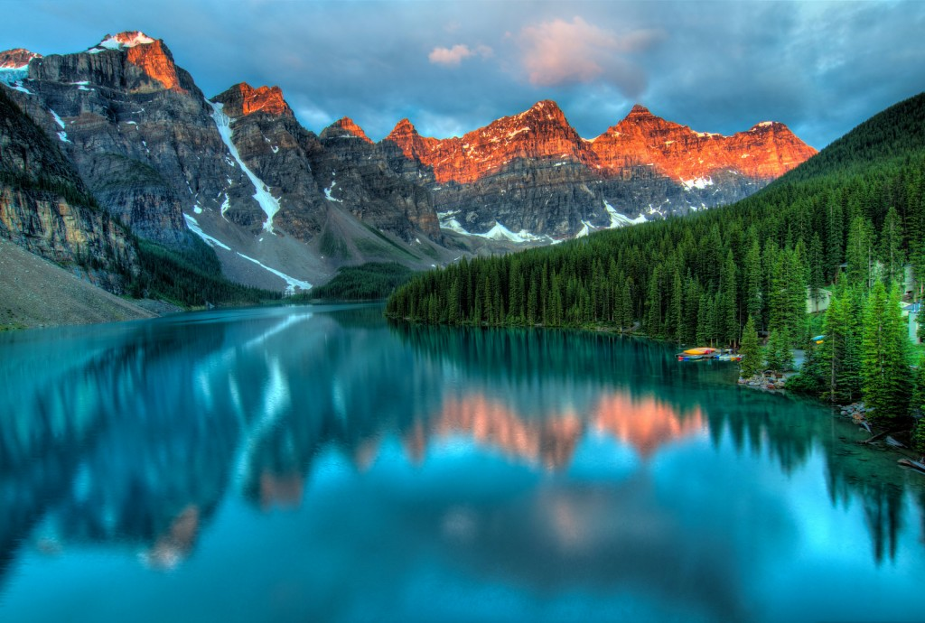 Sunrise at Moraine Lake | © James Wheeler / Flickr